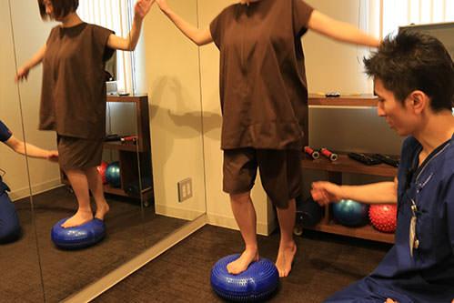 下肢のバランス検査